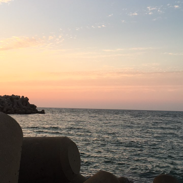 夕まずめの漁港でアジング